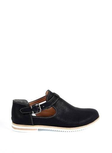 Sapin Yandan Tokalı Ayakkabı Siyah